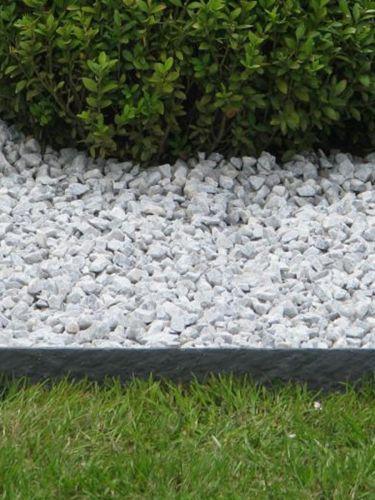 Tuinafboording Ecolat recht grijs aangelegd